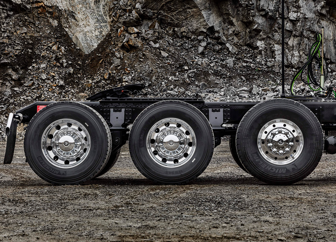 Drive axles for heavy-duty hauling or on/off-road applications