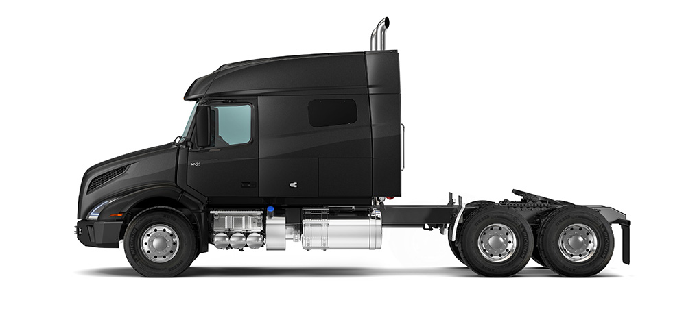 VNX 740 mid-roof. Combined with our high-efficiency, high-torque powertrain options, the VNX 740 is the perfect tool for long-distance heavy haul.