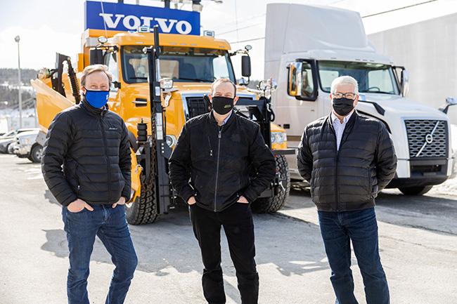Volvo-Trucks-Canada-Dealer-of-the-Year-Hickman-Truck-Centre